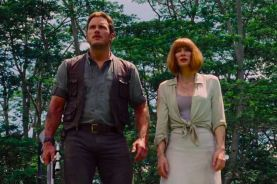 screen-shot-2015-03-13-at-11-39-05-jurassic-world-raptor-squad-chris-pratt-t-rex-who-can-stop-indominus-rex-png-301401